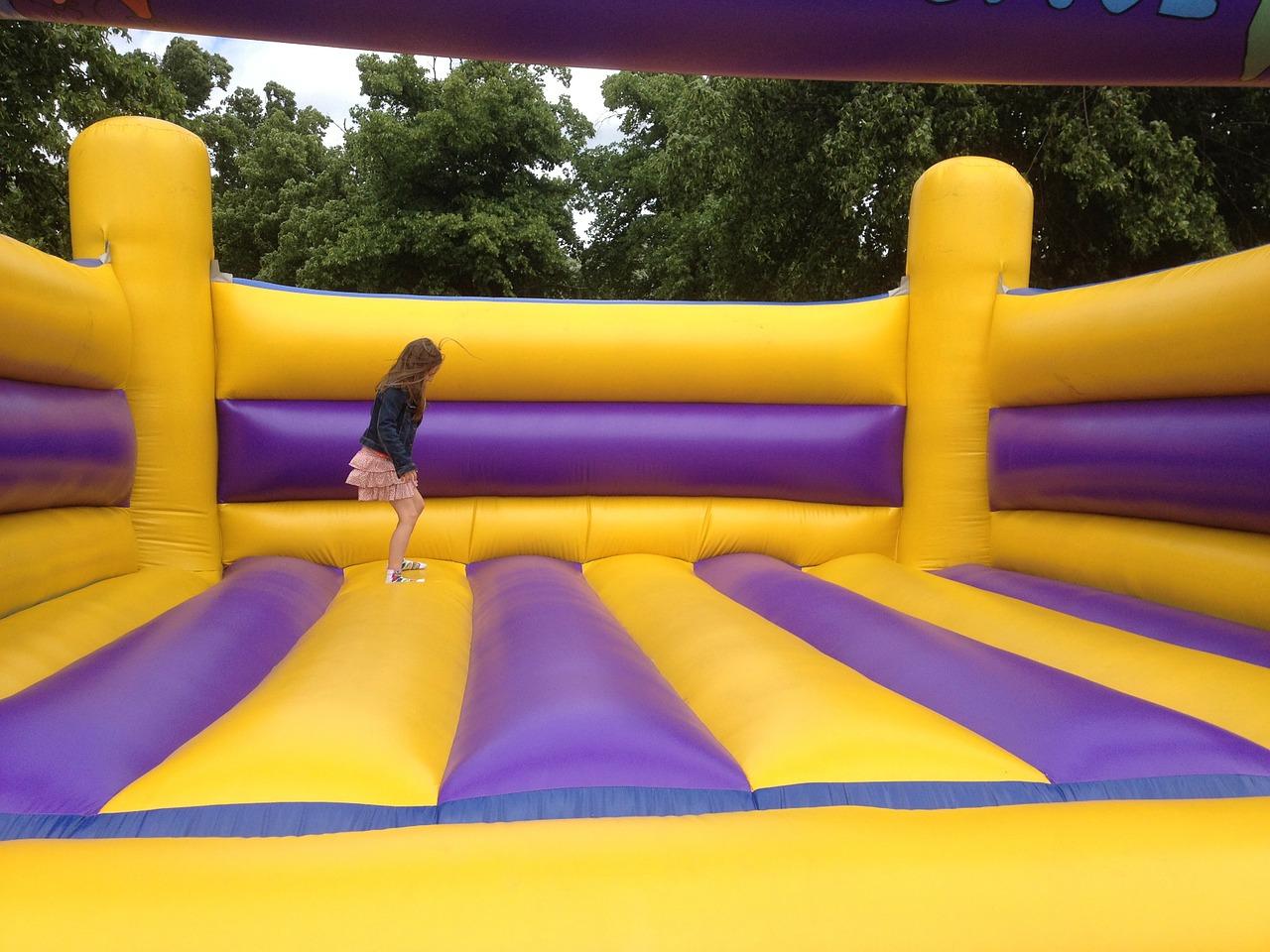 bouncing-castle-281046_1280